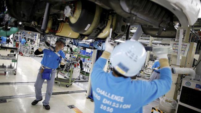 Aktivitas produksi manufaktur di seluruh Asia melemah pada Desember sebagai dampak perang dagang AS dan China, serta perlambatan permintaan di China.