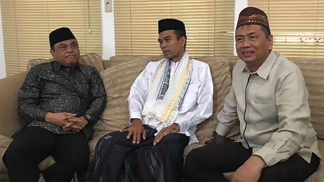 Bakal Caleg PDIP Kapitra Ampera meyakini nama Abdul Somad hanya dimanfaatkan sebagai pendongkrak elektabilitas Prabowo Subianto di Pilpres 2019.