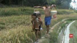 VIDEO: Krisis Air Bersih, Warga Purwakarta Mandi Air Selokan