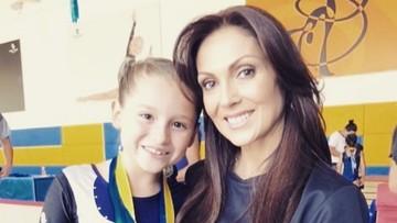 Kebersamaan si 'Tante Rambut Palsu' Nora Salinas dan Putrinya