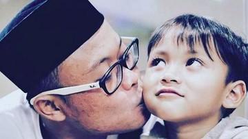 Keseharian Komedian Sule Saat Momong 4 Anaknya