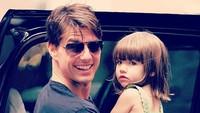 <p>Tom Cruise dikenal sebagai ayah yang protektif dan penyayang banget. (Foto: Instagram @patrick_cruise1983)</p>
