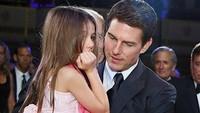 <p>Semoga lekas reuni lagi ya Tom Cruise dan Suri Cruise. Bagaimana pun juga seorang anak perempuan pasti membutuhkan dan merindukan sosok ayah dalam hidupnya. (Foto: Instagram @tomcruisefanofficial)</p>
