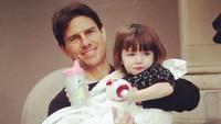 <p>Bulan Juni lalu diberitakan Tom Cruise sangat ingin bertemu Suri pasca bercerai dengan Katie Holmes. Ia sedih karena belum melihat putrinya lagi selama lima tahun. (Foto: Instagram @patrick_cruise1983)</p>