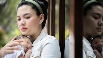 Anak Terbaring sakit, Vicky Shu Galau dan Minta Maaf