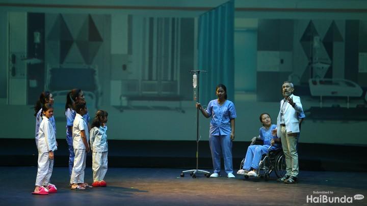 Banyak anak dengan kanker membuktikan mereka bisa sembuh. Pesan positif ini disampaikan melalui drama musikal yang apik.