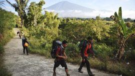 Rinjani Masih Ditutup, Jalur Pendakian Bakal Dievaluasi