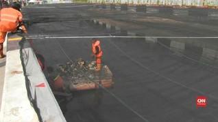 VIDEO: Upaya Menghilangkan Bau di Kali Item