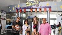 <p>Nia, suami, anak dan mertuanya saat liburan di Las Vegas, Amerika Serikat. (Foto: Instagram @ramadhaniabakrie)</p>