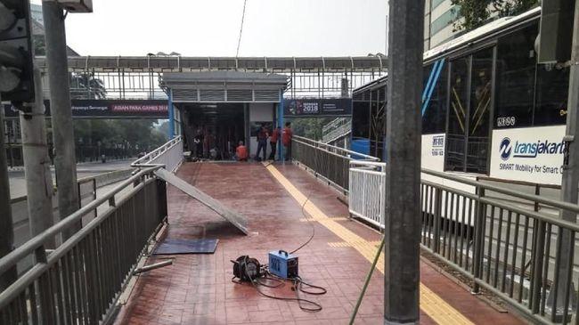 JPO Bank Indonesia akan dibongkar secara bertahap untuk proyek MRT pada 4-20 September yang membuat sebagian arus lalu lintas Jalan MH Thamrin dialihkan.