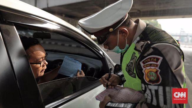 Pemberlakuan perluasan kawasan ganjil genap pada Senin (9/9) membuat pelanggar akan dikenakan tilang maksimal Rp500 ribu.