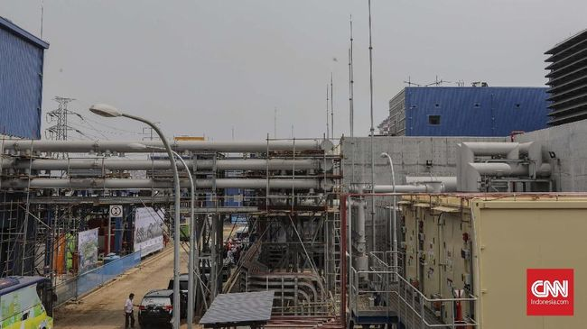 Pemerintah tengah menyiapkan regulasi agar proyek pembangunan jaringan transmisi listrik dapat dibuka untuk swasta, tidak hanya PT PLN (Persero).