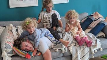 Begini Repotnya Ayah Mengasuh 4 Anak Perempuan