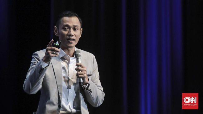 Kogasma Partai Demokrat Agus Harimurti Yudhoyono menganggap pertanyaan mengenai Partai Gerindra yang dilontarkan Joko Widodo dalam debat pilpres tidak relevan.