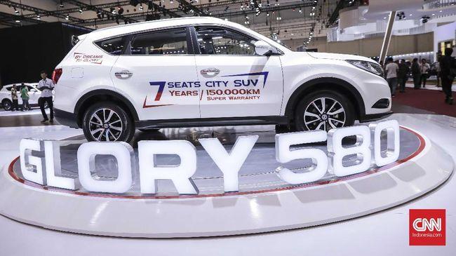 Hasil penjualan Wuling Almaz selama dua bulan lebih tinggi ketimbang DFSK Glory 580 dalam 11 bulan.