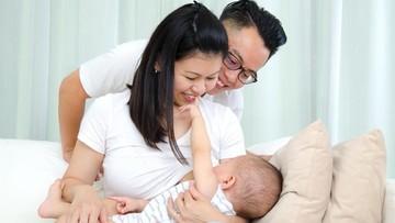 Dukungan Suami untuk Istri Menyusui Bisa Jadi ASI Booster Alami