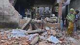 Gempa berkuatan 7 skala richter mengguncang Lombok Utara, NTB, Minggu (5/8). Puluhan orang tewas, ratusan orang luka, ribuan bangunan rusak.
