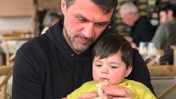 Kebapakan Banget! Saat Paolo Maldini Main Bareng Anak-anak