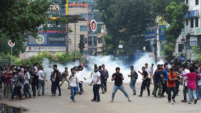 Korban tewas dalam kerusuhan selepas pemilihan umum di Bangladesh bertambah menjadi 17 orang. Hal itu diduga dipicu kecurangan dalam pemungutan suara.