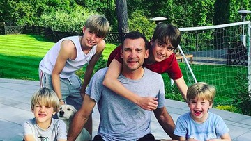 Kedekatan Eks Striker AC Milan Andriy Shevchenko dan Putranya