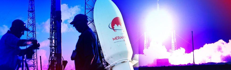 Satelit Merah Putih Meluncur