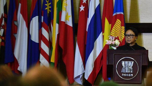 Meski ASEAN kerap dikritik tidak vokal menanggapi masalah di kawasan, asosiasi yang berulang tahun ke-51 hari ini tersebut penting untuk stabilitas kawasan.
