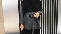 <p>Herfiza tampil berhijab sejak tahun 2017. Setela mantap memakai hijab, istri Ricky Harun itu menghapus foto-foto lamanya sebelum berhijab di Instagram. (Foto: Instagram)</p>