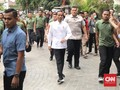 Deklarasi Cawapres Jokowi: Baju Kerah Koko dan Sneaker Hitam