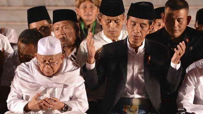 Pilihan Jokowi terhadap Ma'ruf Amin sebagai cawapres dianggap sebagai jawaban atas kekhawatiran politik identitas. Kubu lawan kerap menuding Jokowi anti-Islam.