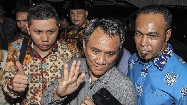 Politikus Demokrat Andi Arief menyambut baik usul PSI agar KPU turut menggelar debat antarparpol peserta Pemilu 2019.