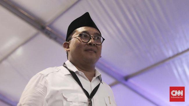 Fadli Zon membantah Prabowo Subianto ingin elektabilitasnya naik dengan menyatakan akan menjemput pentolan FPI Rizieq Shihab jika tak kunjung dipulangkan.