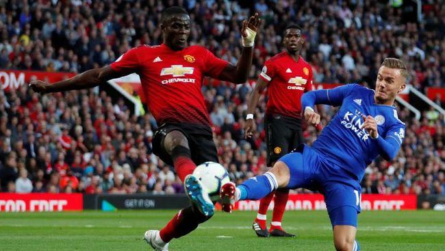 Gol Paul Pogba di awal pertandingan membuat Manchester United unggul atas Leicester City di babak pertama pada laga pembuka Liga Inggris 2018/2019.