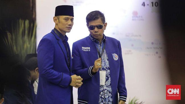 Sekjen Demokrat Hinca Pandjaitan mengingatkan kepada Djarot Saiful Hidayat mengenai keberadaan Bandara Kualanamu dan Silangit yang dibangun pada masa SBY.