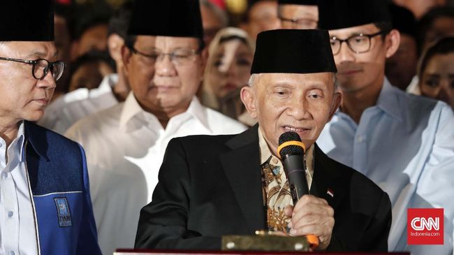 Menurut Amien Rais, Jokowi punya ingatan pendek yang membuatnya kerap melupakan hal-hal yang pernah diucapkannya sendiri.