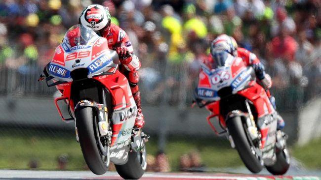 Ducati bisa dibilang menjadi tim paling hebat sekaligus merana di MotoGP 2018 menyusul penampilan Andrea Dovizioso dan Jorge Lorenzo.