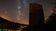Tips Amati Puncak Hujan Meteor Orionids Malam Ini