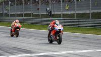 Menuju Honda, Lorenzo: Rekan Setim Adalah Musuh Pertama Anda