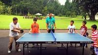 <p>Wah, seru banget nih ketika pria yang akrab disapa JK ini olahraga bareng cucu-cucunya. (Foto: Instagram/ @jusufkalla) </p>