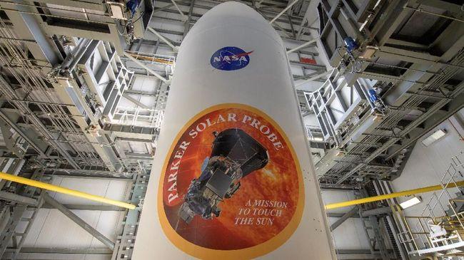 NASA membagikan siaran video agar siapa saja bisa mengintip bagaimana mereka menyiapkan kendaraan penjelajah Mars yang akan diterbangkan pada 2020.