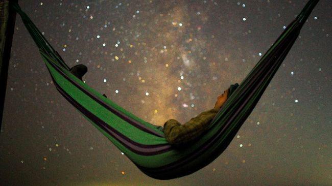 Tak perlu jauh-jauh ke Alaska atau Islandia untuk menatap langit penuh bintang, karena ada sejumlah destinasi serupa di Asia.