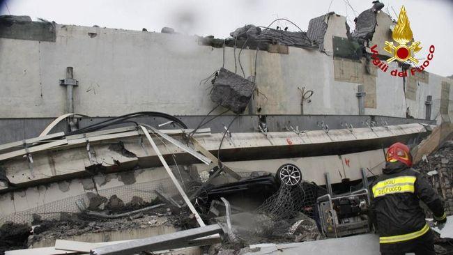 Menteri Dalam Negeri Italia, Matteo Salvini, menyatakan sampai saat ini diperkirakan 30 orang meninggal dalam kejadian itu.