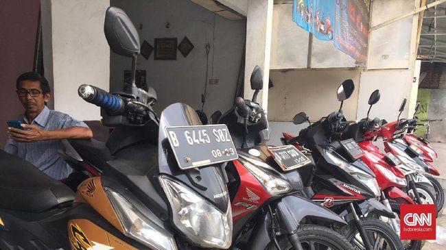 Penjual Sepeda Motor Bekas