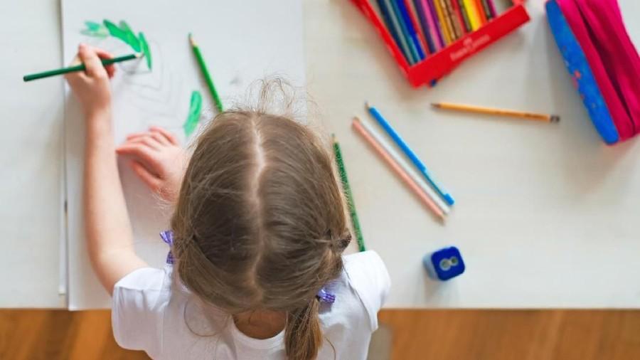 Mengenal Metode Sensasi untuk Ajak Anak Autis Berkomunikasi