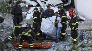 'Allahu Akbar' Menggema di Pemakaman Korban Jembatan Genoa
