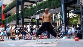 VIDEO: Akrobat Jalanan Penuh Kebebasan