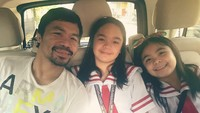 <p>Walau sibuk, Pacquiao berusaha menyempatkan diri mengantar anak-anak sekolah. (Foto: Instagram/mannypacquiao)</p>