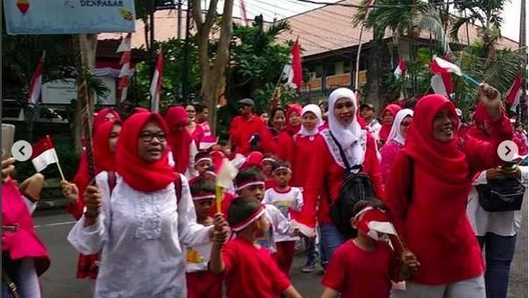 17 Agustus ini bisa jadi momen untuk lebih menghargai perbedaan. Misalnya dengan melihat betapa beragamnya suku dan budaya dalam karnaval.