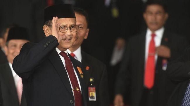 Sejumlah menteri dan pejabat tinggi negara mengucapkan belasungkawa atas wafatnya Presiden RI ke-3 BJ Habibie, mulai dari Tjahjo Kumolo sampai Agus Rahardjo.