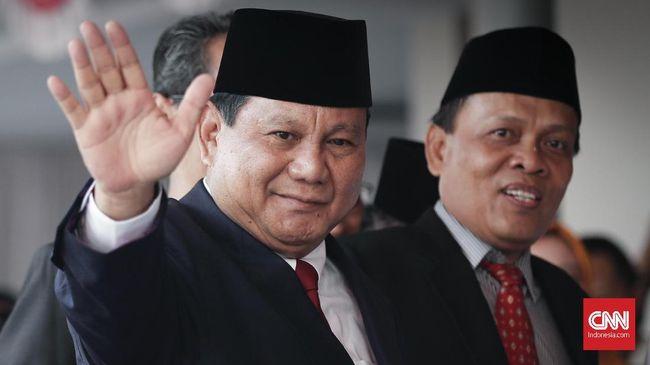 Ketum Gerindra Prabowo Subianto tetap bersyukur pensiun dengan pangkat jenderal bintang tiga karena banyak rekannya hanya mencapai berpangkat kolonell
