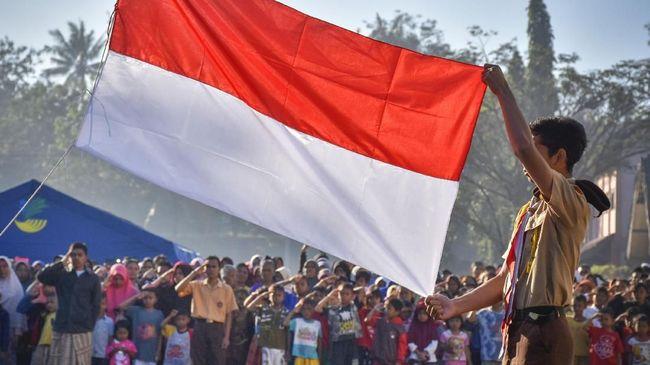 Kapolres probolinggo AKBP Alfian Nurrizal menegaskan tidak ada simbol teroris pada karnaval murid TK di Probolinggo. Pawai murid TK itu viral di media sosial.